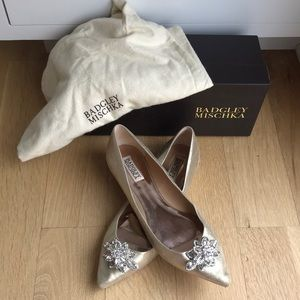 Authentic Badgley Mischka gold flats wore ONCE